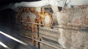 Ritrovamento di fascione decorato in seguito alla pulitura degli intonaci presso il Palazzo del Capitanio (Verona) - Progetto e Direzione Lavori strutture di Contec Ingegneria